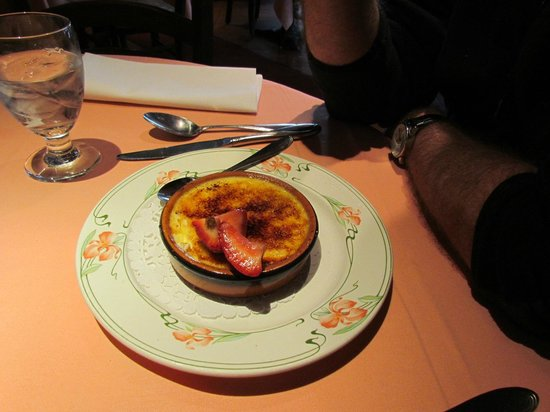Restaurant Parmesan : Perfectly done Creme Brulee