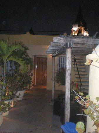 Casa Pombo : Zona de la piscina en el tercer piso y area de descanso
