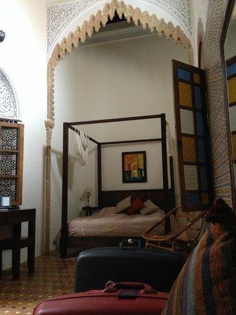 Riad Marhaba: la camera con il letto a baldacchino