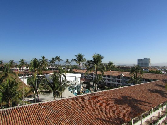 Crown Paradise Golden Resort Puerto Vallarta : Looking over to the Family side