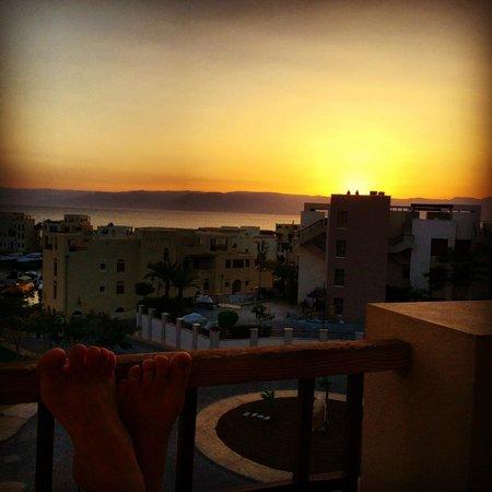 Marina Plaza Hotel Tala Bay : Sunset from the balcony