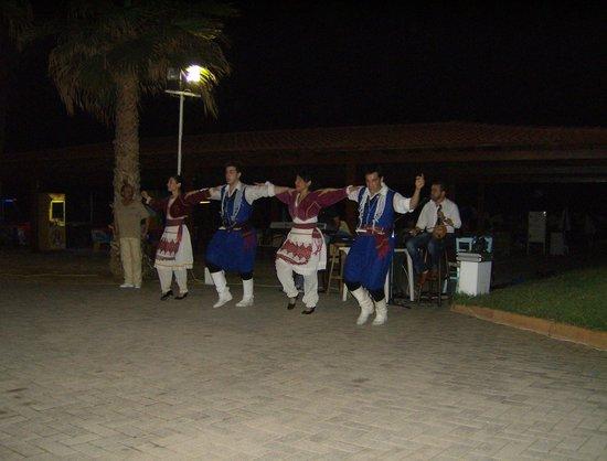 Phaedra Beach Hotel: Greek night