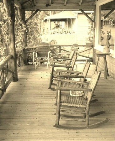 Maynardu0027s In Maine: The Rocking Chairs On Maynardu0027s Front Porch Outside The  Restaurant. C2013