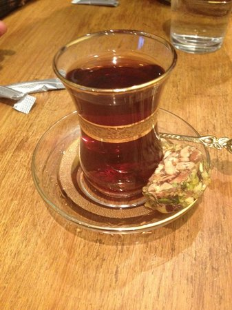 Xenophily Cafe: Turkish tea with turkish delight