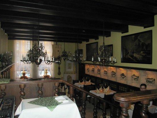 Pod Lososiem Restaurant: Lower level