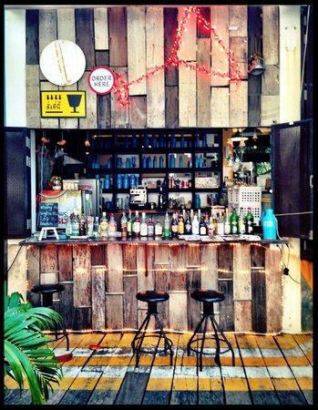 Warapura Resort: Restauraunt/bar during the day