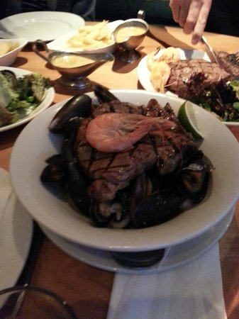 Mussel and Steak Bar : Surf and Turf