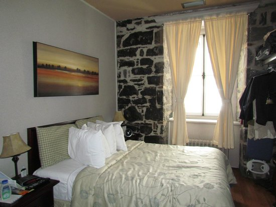 Hotel Louisbourg: Room 270