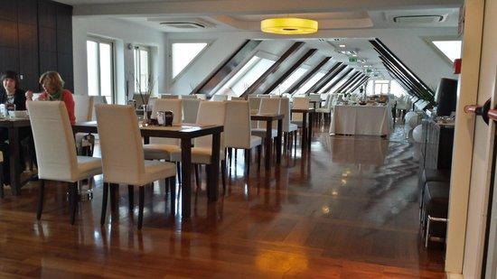 E' Hotel : sala colazione