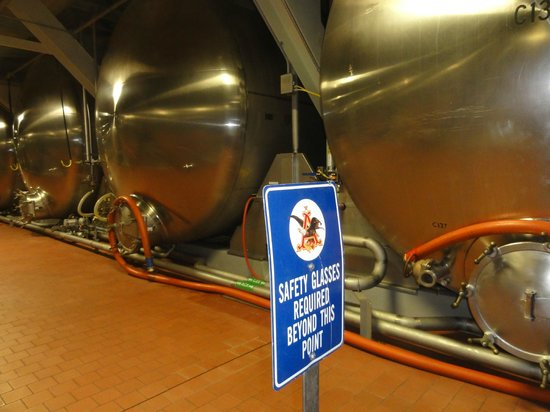 Budweiser Brewery Tours: Tanks for beechwood aging