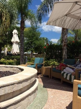 Hilton Grand Vacations at Tuscany Village : Afternoon on the patio.