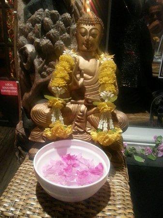 Nok Noy: Bouddha thaï