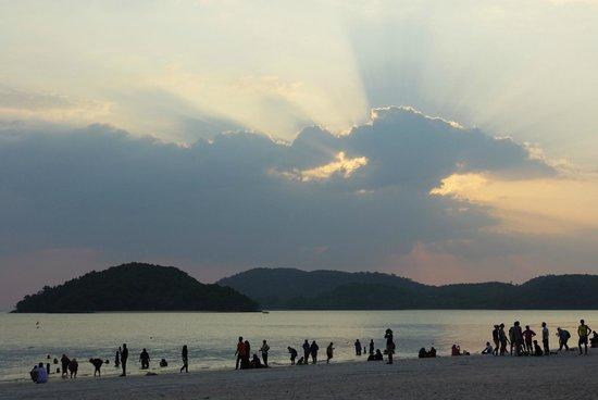 Casa del Mar, Langkawi : Pantai Cenang at dusk
