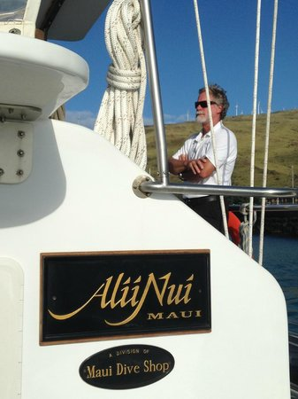 Alii Nui : Captain enjoying his vessel