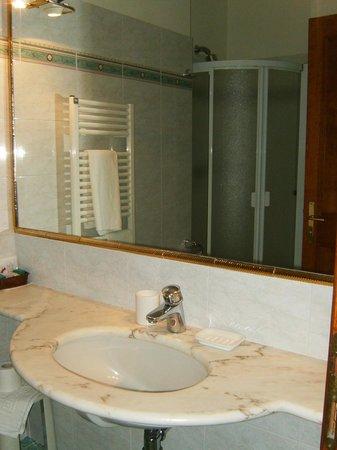 Hotel Claudiani: Bagno