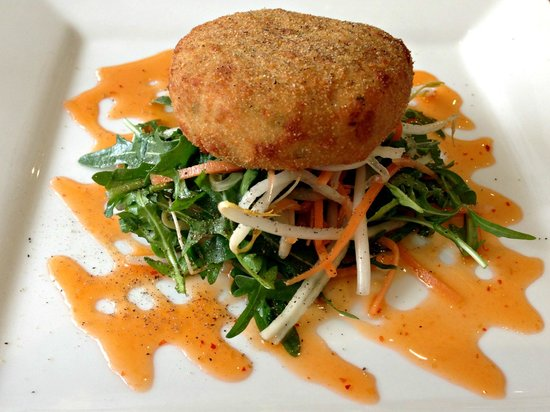 Savoro Restaurant with Rooms: Savoro fish cakes with salad