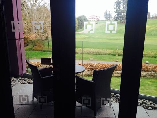 Kingsmills Hotel: view of balcony and golf course