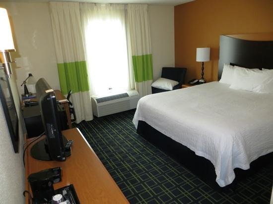 Fairfield Inn & Suites Carlsbad: Guest room: king, N/S