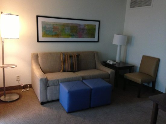 Embassy Suites by Hilton Baton Rouge: Sitting area a the newly renovated room