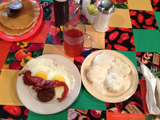 Mama's Kitchen : Big Ol' Country Breakfast