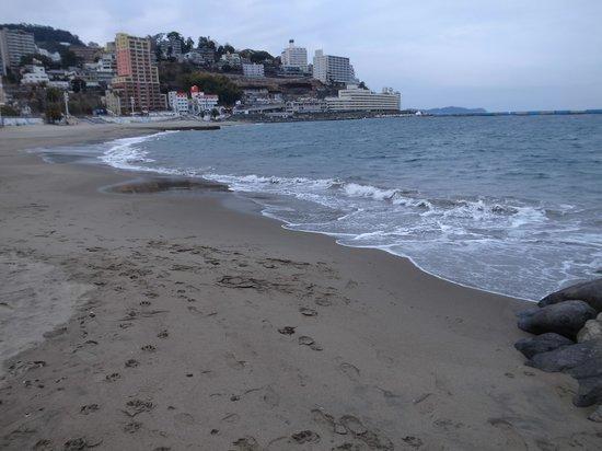 Atami Sun Beach: 波の音が強い日でした