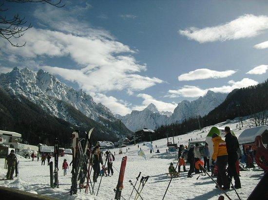 House Neza: Ski slopes