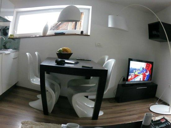 House Neza: Living room