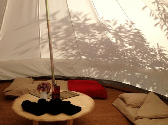 Plush Tents Glamping: Bell tent sleeping 4