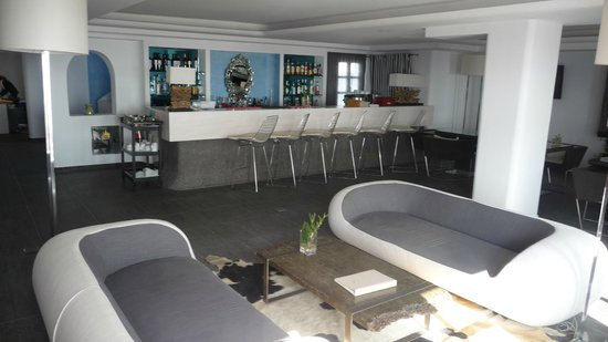 Aressana Spa Hotel and Suites: Bar