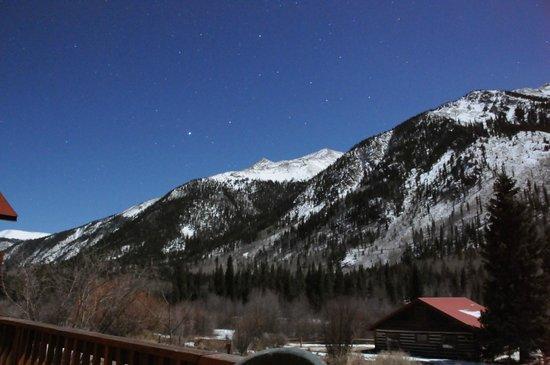 Mount Elbert Lodge: Nighttime View From Cabin Deck