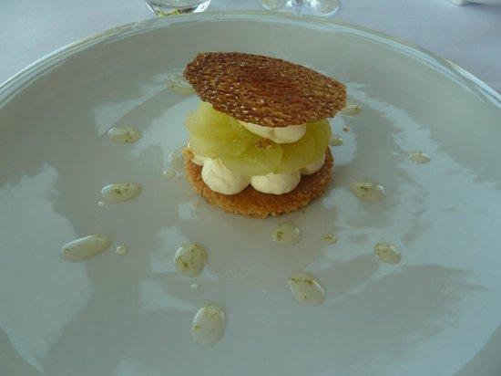Restaurant Le Saint-James Relais & Chateaux : sablé citron vert, vanille et pomme