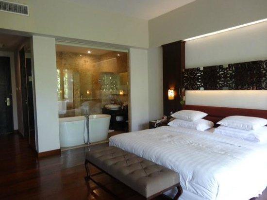 The Seminyak Beach Resort & Spa: Beach wing room