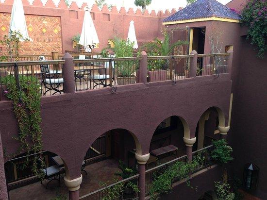 Riad Noga: General View