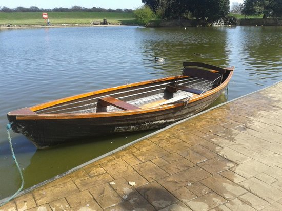 Cleethorpes Boating Lake: boat hire