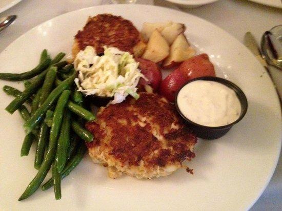 Tuckahoe Inn: Tuckahoe famous crabcake