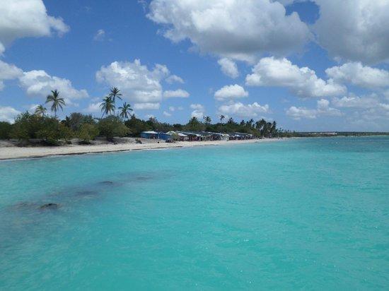 Iberostar Hacienda Dominicus : Shops down the beach