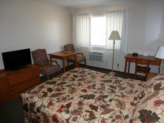 Riverwood Inn Motel & RV Park : 1 Queen Standard