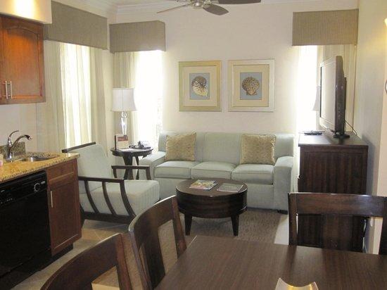 Sheraton Vistana Resort Villas- Lake Buena Vista: Our livingroom