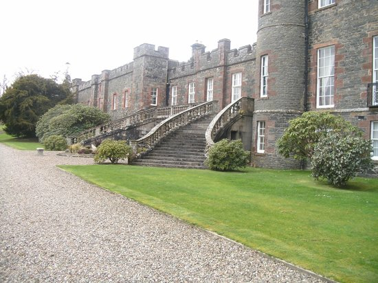 Stobo Castle: This is the left hand side of the building