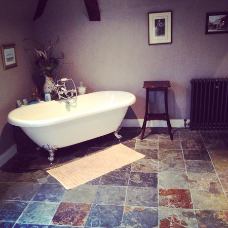 Durn House: Our stunning bathroom