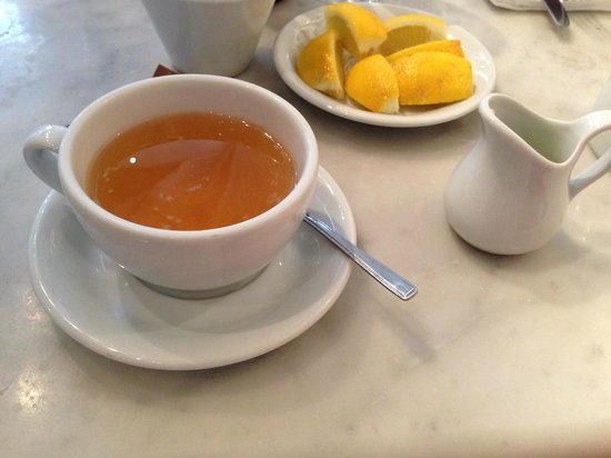 Black & Blue: Лимон и сок свежевыжатого лайма к чаю