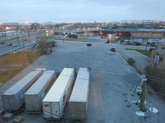 Holiday Inn Express Hotel & Suites Montreal Airport: Airport hotels do not have good views