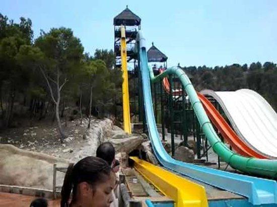 Aqualandia : the yellow slide