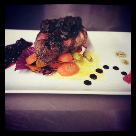 Kantina Cafe & Wine : Duck. Ruby port & wild berries reduction.