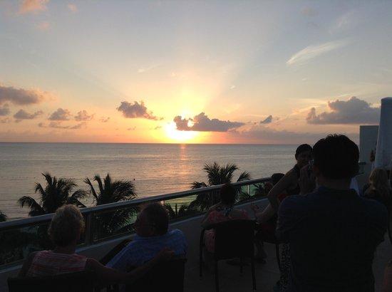 Secrets Aura Cozumel: sunset