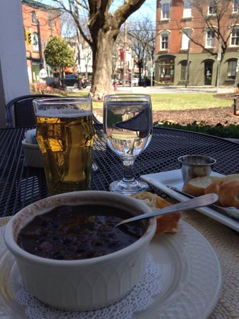 The Tavern at the Beekman Arms : Soup and Stella on the patio.