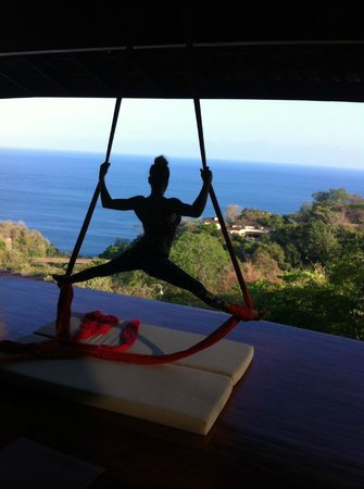 Anamaya Resort & Retreat Center: Silk Yoga