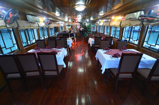 Halong Bay: Interior Fantasea