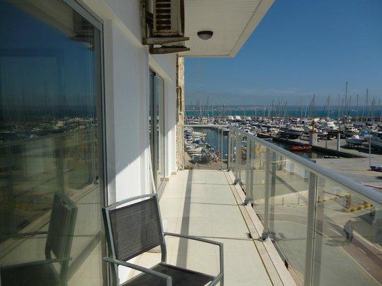 Apartamentos Embat: balcony