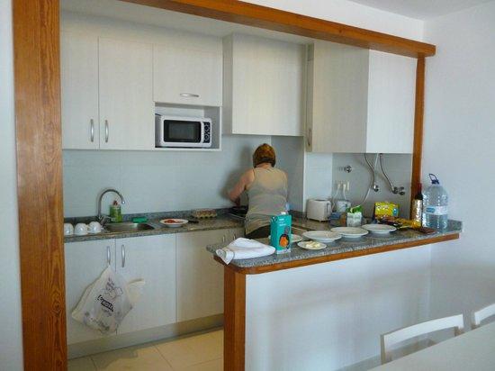 Apartamentos Embat: kitchenette